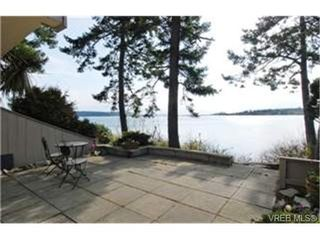 Photo 1: 13 2654 Lancelot Place in : CS Turgoose Residential for sale (Central Saanich)  : MLS®# 242904