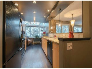 "Photo 3: 306 1280 FIR Street: White Rock Condo for sale in ""OCEANA VILLA"" (South Surrey White Rock)  : MLS®# F1429078"