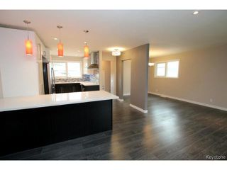 Photo 7: 73 Columbus Crescent in WINNIPEG: Westwood / Crestview Residential for sale (West Winnipeg)  : MLS®# 1514132