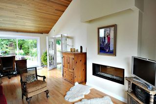 Photo 2: 1427 APPIN Road in NORTH VANC: Westlynn House for sale (North Vancouver)  : MLS®# R2002464