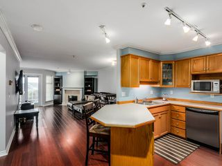 """Photo 10: 305 25 RICHMOND Street in New Westminster: Fraserview NW Condo for sale in """"FRASERVIEW"""" : MLS®# R2031459"""