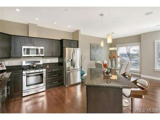 Photo 5: 3 2319 Chilco Road in VICTORIA: VR Six Mile Townhouse for sale (View Royal)  : MLS®# 363465