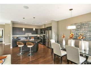 Photo 3: 3 2319 Chilco Road in VICTORIA: VR Six Mile Townhouse for sale (View Royal)  : MLS®# 363465