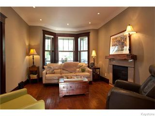 Photo 3: 37 Lawndale Avenue in Winnipeg: St Boniface Residential for sale (South East Winnipeg)  : MLS®# 1611854