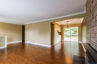 Photo 3: 21614 SPRING Crescent in Maple Ridge: West Central House for sale : MLS®# R2096970