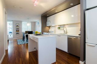 "Photo 16: 609 328 E 11TH Avenue in Vancouver: Mount Pleasant VE Condo for sale in ""Uno"" (Vancouver East)  : MLS®# R2126695"
