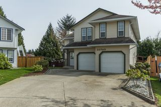 Photo 2: 33740 APPS Court in Mission: Mission BC House for sale : MLS®# R2154494