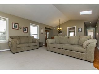 Photo 5: 33740 APPS Court in Mission: Mission BC House for sale : MLS®# R2154494