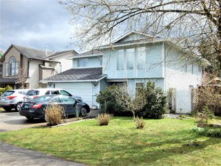 Photo 2: 15608 90 Avenue in Surrey: Fleetwood Tynehead House for sale : MLS®# R2157207