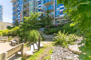 "Photo 16: 212 63 W 2ND Avenue in Vancouver: False Creek Condo for sale in ""PINNACLE LIVING AT FALSE CREK"" (Vancouver West)  : MLS®# R2176352"