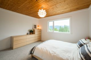 Photo 8: 1912 CLIFFWOOD Road in North Vancouver: Deep Cove House for sale : MLS®# R2176813