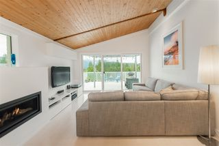 Photo 5: 1912 CLIFFWOOD Road in North Vancouver: Deep Cove House for sale : MLS®# R2176813