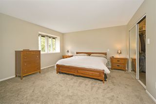 """Photo 10: 5950 243 Street in Langley: Salmon River House for sale in """"Strawberry Hills"""" : MLS®# R2185425"""