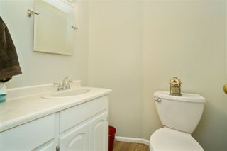 """Photo 8: 5950 243 Street in Langley: Salmon River House for sale in """"Strawberry Hills"""" : MLS®# R2185425"""