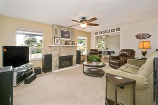 "Photo 4: 5950 243 Street in Langley: Salmon River House for sale in ""Strawberry Hills"" : MLS®# R2185425"