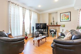 Photo 3: 7119 10TH Avenue in Burnaby: Edmonds BE House 1/2 Duplex for sale (Burnaby East)  : MLS®# R2199014