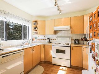 Photo 2: 209 175 E 10TH STREET in North Vancouver: Central Lonsdale Condo for sale : MLS®# R2203480