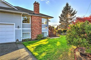 Photo 16: 4299 Panorama Pl in VICTORIA: SE Lake Hill Single Family Detached for sale (Saanich East)  : MLS®# 774088