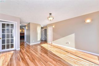 Photo 8: 4299 Panorama Pl in VICTORIA: SE Lake Hill Single Family Detached for sale (Saanich East)  : MLS®# 774088