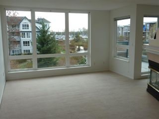 """Photo 2: 304 5800 ANDREWS Road in Richmond: Steveston South Condo for sale in """"Tje Villas at Southcove"""" : MLS®# R2241418"""