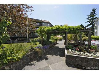 Photo 2: 214 1149 Rockland Avenue in VICTORIA: Vi Downtown Residential for sale (Victoria)  : MLS®# 346661