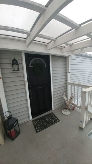 """Photo 3: 60 3300 HORN Street in Abbotsford: Central Abbotsford Manufactured Home for sale in """"Georgian Park"""" : MLS®# R2253611"""