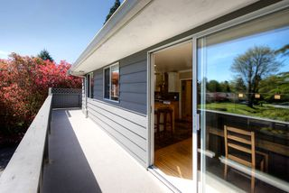 "Photo 6: 1155 BAYVIEW Drive in Delta: Tsawwassen Central House for sale in ""TSAWWASSEN CENTRAL"" (Tsawwassen)  : MLS®# R2260279"