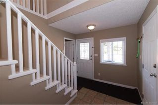 Photo 3: 459 Avery Crt in VICTORIA: La Thetis Heights Single Family Detached for sale (Langford)  : MLS®# 788269