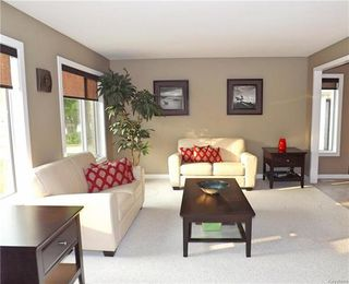 Photo 3: 78 Chornick Drive in Winnipeg: North Kildonan Residential for sale (3G)  : MLS®# 1814105