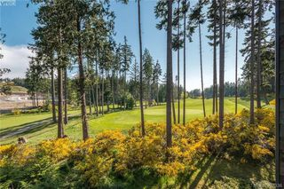 Photo 18: 418 1395 Bear Mountain Parkway in VICTORIA: La Bear Mountain Condo Apartment for sale (Langford)  : MLS®# 392336