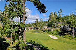 Photo 3: 418 1395 Bear Mountain Parkway in VICTORIA: La Bear Mountain Condo Apartment for sale (Langford)  : MLS®# 392336