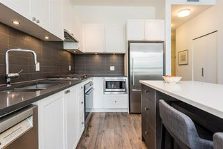 Photo 5: 406 105 W 2ND Street in North Vancouver: Lower Lonsdale Condo for sale : MLS®# R2296490