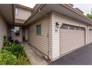 Photo 2: 25 12268 189A Street in Pitt Meadows: Central Meadows Townhouse for sale : MLS®# R2299824