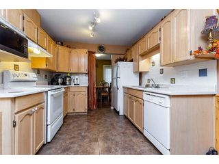 Photo 4: 25 12268 189A Street in Pitt Meadows: Central Meadows Townhouse for sale : MLS®# R2299824