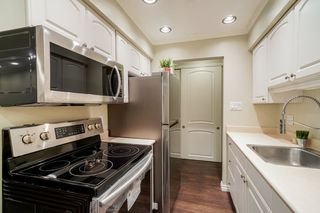 """Photo 4: 211 910 FIFTH Avenue in New Westminster: Uptown NW Condo for sale in """"GROSVENOR COURT"""" : MLS®# R2320534"""