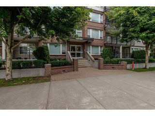 """Photo 2: 106 46150 BOLE Avenue in Chilliwack: Chilliwack N Yale-Well Condo for sale in """"NEWMARK"""" : MLS®# R2325582"""