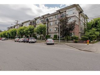"""Photo 1: 106 46150 BOLE Avenue in Chilliwack: Chilliwack N Yale-Well Condo for sale in """"NEWMARK"""" : MLS®# R2325582"""
