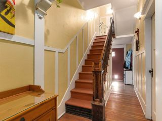 "Photo 3: 1316 E 20TH Avenue in Vancouver: Knight House for sale in ""CEDAR COTTAGE"" (Vancouver East)  : MLS®# R2326256"