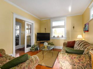 "Photo 7: 1316 E 20TH Avenue in Vancouver: Knight House for sale in ""CEDAR COTTAGE"" (Vancouver East)  : MLS®# R2326256"