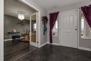 Photo 2: 33335 BEST Avenue in Mission: Mission BC House for sale : MLS®# R2334094