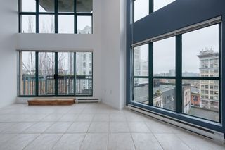 "Photo 3: 619 22 E CORDOVA Street in Vancouver: Downtown VE Condo for sale in ""Van Horne"" (Vancouver East)  : MLS®# R2334498"