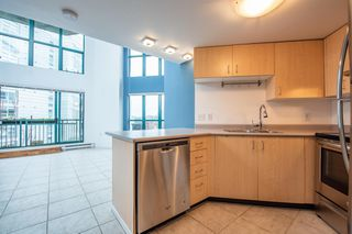 "Photo 7: 619 22 E CORDOVA Street in Vancouver: Downtown VE Condo for sale in ""Van Horne"" (Vancouver East)  : MLS®# R2334498"