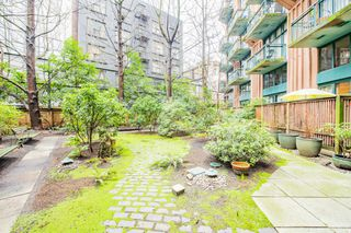 "Photo 17: 619 22 E CORDOVA Street in Vancouver: Downtown VE Condo for sale in ""Van Horne"" (Vancouver East)  : MLS®# R2334498"