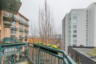 "Photo 14: 619 22 E CORDOVA Street in Vancouver: Downtown VE Condo for sale in ""Van Horne"" (Vancouver East)  : MLS®# R2334498"