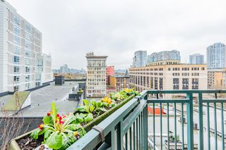 "Photo 13: 619 22 E CORDOVA Street in Vancouver: Downtown VE Condo for sale in ""Van Horne"" (Vancouver East)  : MLS®# R2334498"