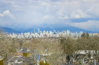 """Main Photo: 4093 DUNBAR Street in Vancouver: Dunbar House for sale in """"VVWDU"""" (Vancouver West)  : MLS®# R2348325"""