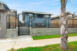 Photo 3: LOGAN HEIGHTS House for sale : 3 bedrooms : 2071 FRANKLIN AVE in San Diego