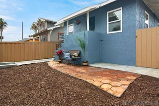 Photo 5: LOGAN HEIGHTS House for sale : 3 bedrooms : 2071 FRANKLIN AVE in San Diego