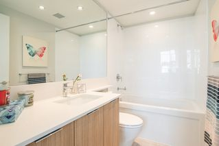 """Photo 8: 6601 MARLBOROUGH Avenue in Burnaby: Metrotown Townhouse for sale in """"MIDORI"""" (Burnaby South)  : MLS®# R2355425"""