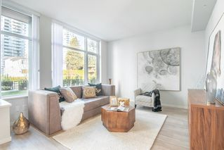 """Photo 4: 6601 MARLBOROUGH Avenue in Burnaby: Metrotown Townhouse for sale in """"MIDORI"""" (Burnaby South)  : MLS®# R2355425"""